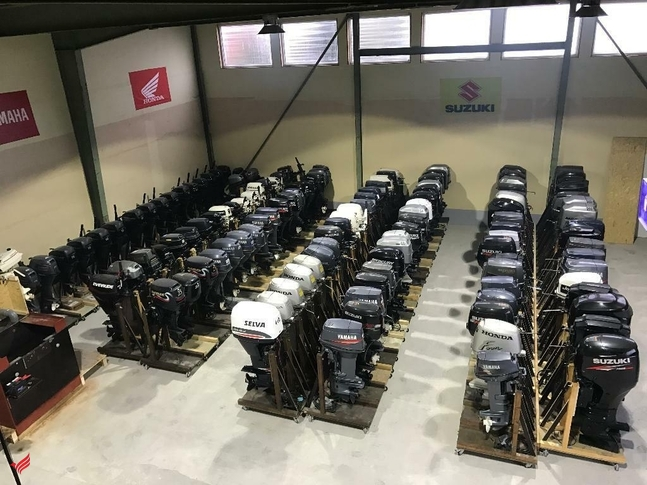 outboard motors (15hp up to 425hp)Whatsapp:+17732317010