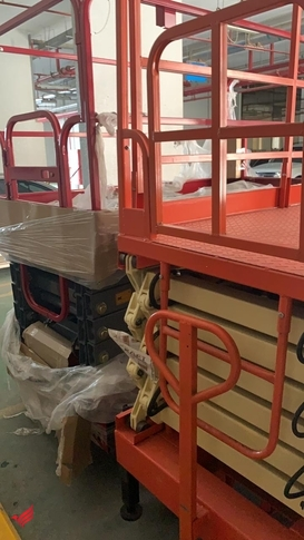 For Sale brand new 2 Scissor Lifts for 50,000 AED