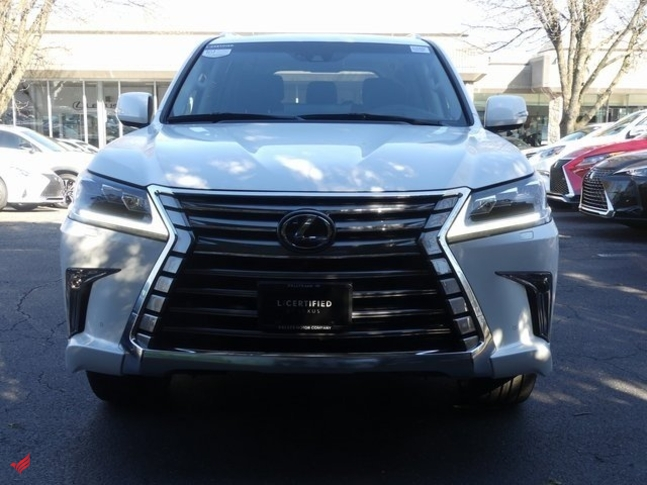 For sale 2017 Lexus LX570, No accident record and there is no me