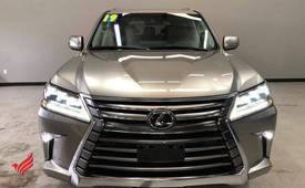 Selling 2019 Lexus LX 570 SUV Full Option