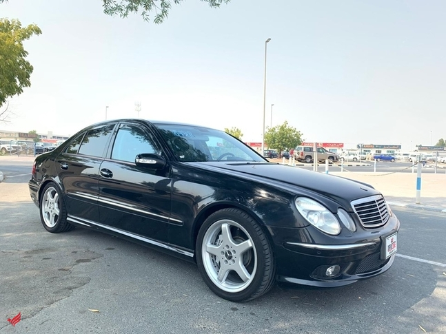 MERCEDES BENZ E55 AMG BLACK MODEL 2004 - 4.B GRADE FRESH JAPAN I