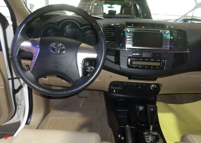2015 TOYOTA FORTUNER 4X4 (7 SEATER)