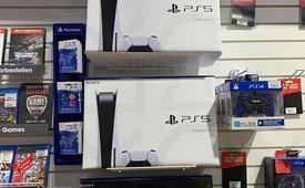 Sony PlayStation 5 + 2 Wireless Controller