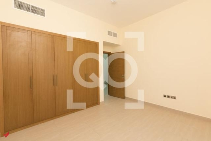 4 Bedrooms Bright and Beautiful Villa in Jumeirah Park Nova