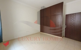 Spacious Ground Floor with Wardrobe & Open Kitchen