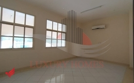 Ground Floor Neat & Clean with 2 Bath on Main Road