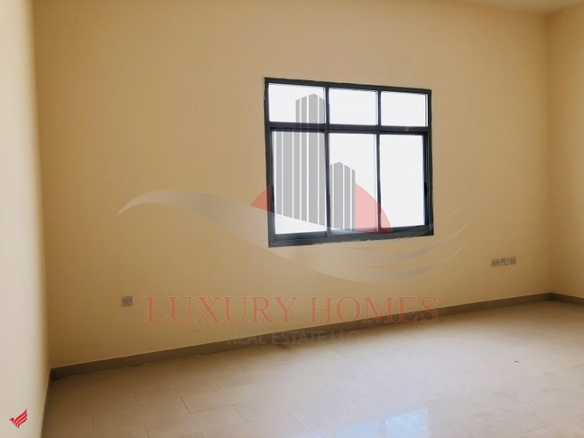 Commercial Apartment Walking Distance to Jimi Mall