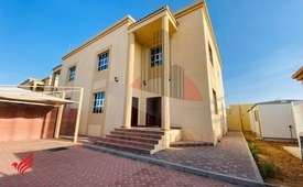 Private Entrance Villa with Yard and Driver Room