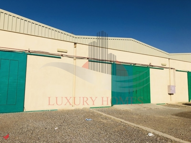 Close to Bawadi Mall with Huge Parking Space