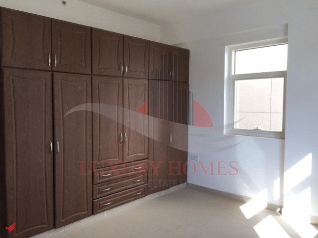 Bright Office W/H Built in Wardrobes