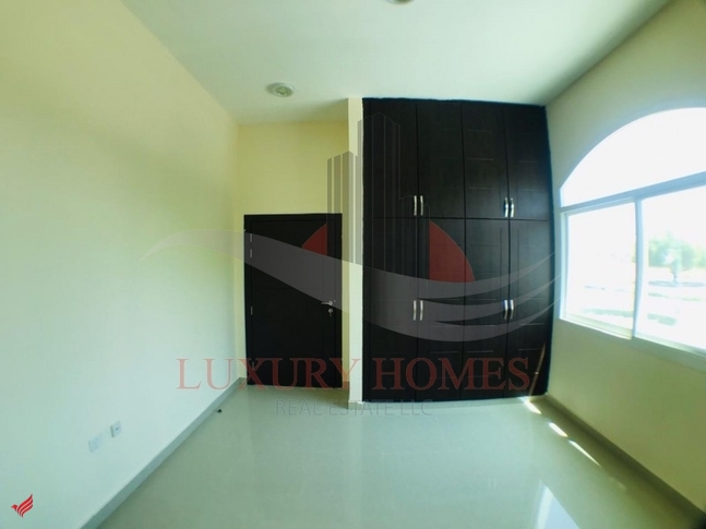 Main Road View Commercial Villa with Basement
