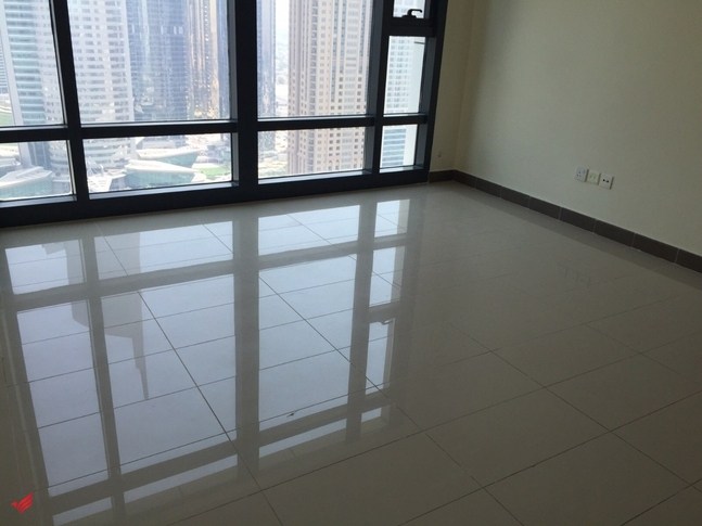 Spacious 2 Bed in Lakeside Residence JLT