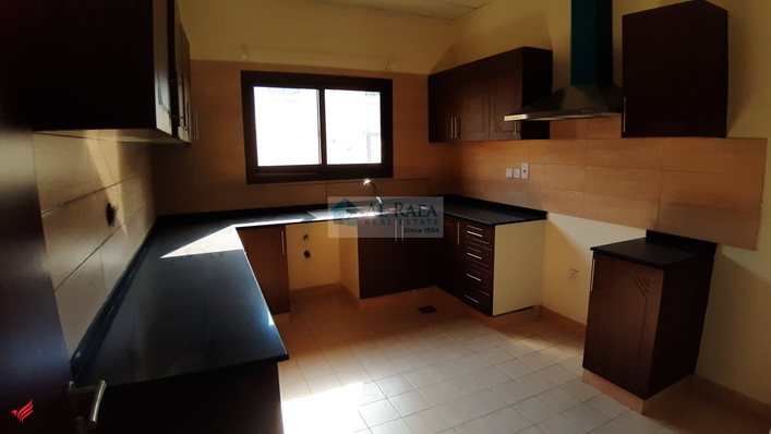 Beautiful Semi Independent 3Bedroom+Maidsroom Villa With Pvt.Big Backyard Shared Pool
