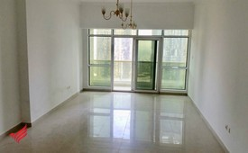 Well-Kept with Full Lake View | Near Metro Station