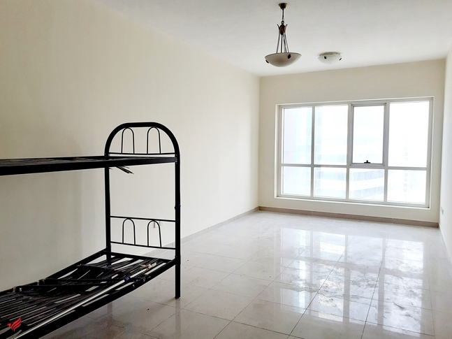 Hot Deal | 1BR in Lake Point | Lake View