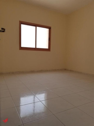 LAST CHANCE HUGE 2 BHK WITH BALCONY CLOSE HALL ONLY 28K