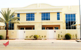 4BR Town house for rent in Jumeirah 3