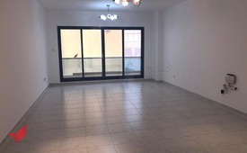 Gorgeous 1 BHK opposite to lamcy Oud Metha