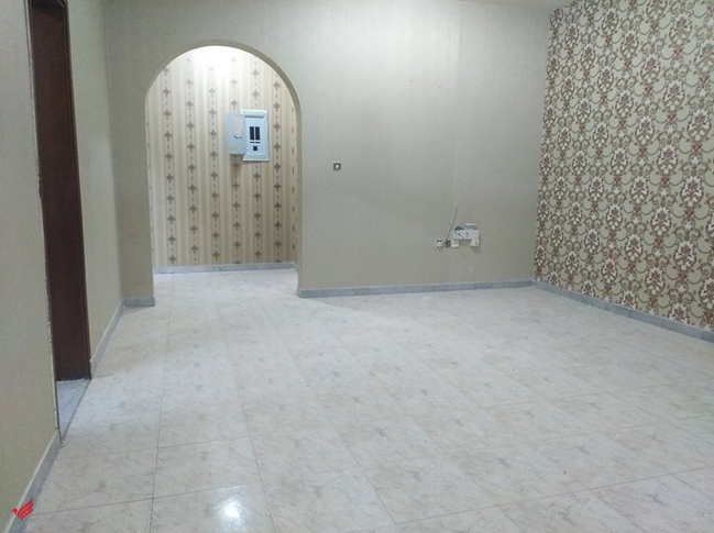 SPACIOUS 3 BHK GROUND FLOOR SEP/ENTRANCE APARTMENT WITH PRIVATE OPEN AREA