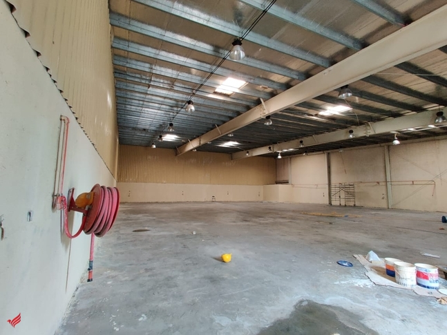 AED. 18.5/ft2 | 8550 ft2 commercial warehouse Dubai investment park DIP